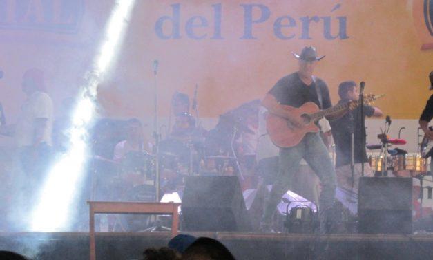 Danny Shain Brings Country Music to Tarapoto, Peru